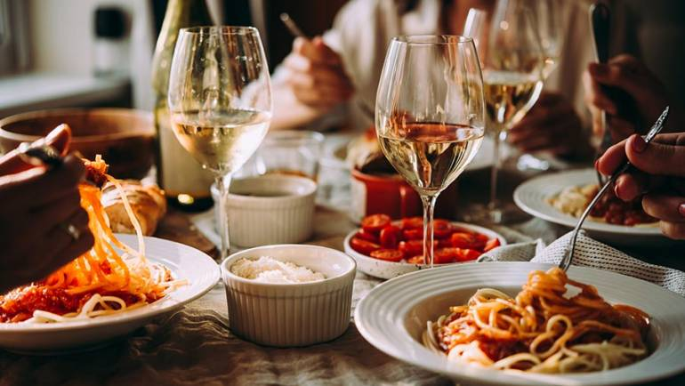 5 Secrets For Impressing Your Dinner Party Guests